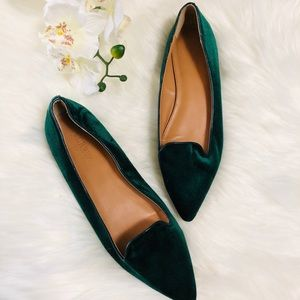 💚NEW LISTING💚 J.Crew velvet pointed flat
